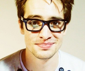 panic! at the disco, bands, and brendon urie image