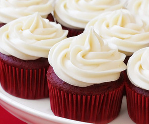 cupcake, food, and red velvet image