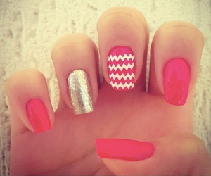 nails, pink, and gliter image