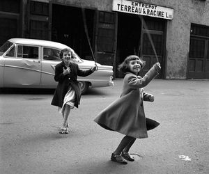 vivian maier, black and white, and vintage image