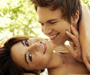 john green, Shailene Woodley, and the fault in our stars image