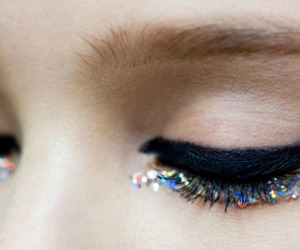 beauty, cat eye, and glitter image