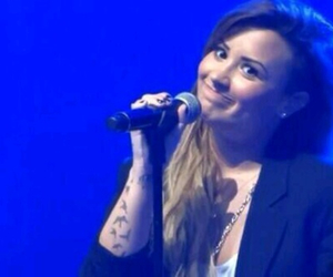 demi lovato, lovatic, and neon lights tour image