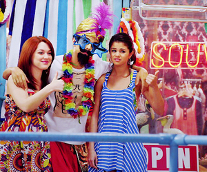alex russo and girl image