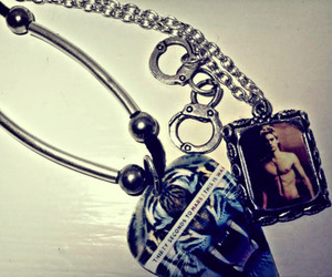 30 seconds to mars and necklace image