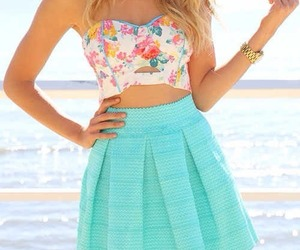 colors, style, and dress image