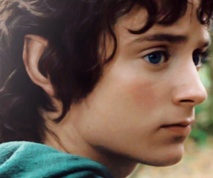 elijah wood, hobbit, and frodo baggins image