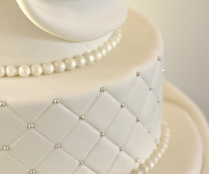wedding, wedding cake, and beautiful image