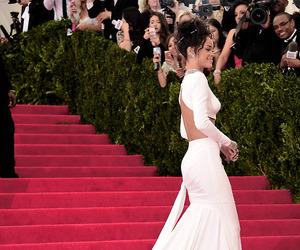 red carpet, met gala, and 2014 image
