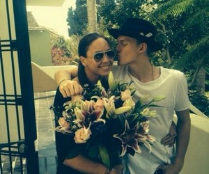 cody simpson and angie simpson image