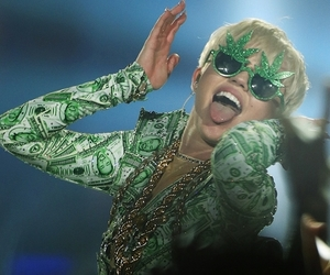 miley cyrus and money image