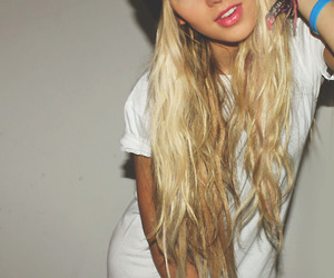 blonde, girl, and tshirt image