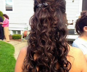 curls, Prom, and prom hairstyle image