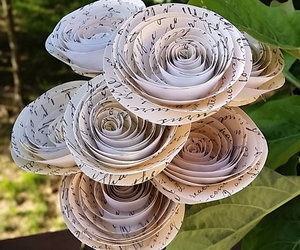 paper flowers, diy wedding, and paper flower bouquet image