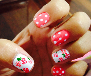 nails pink flowers image