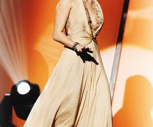 miley cyrus dress image