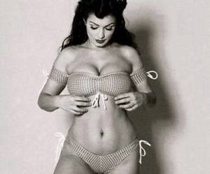 curvy, gorgeous, and Pin Up image
