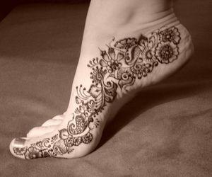 tattoo, henna, and feet image