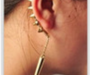 gold spikes and ear ring peice image