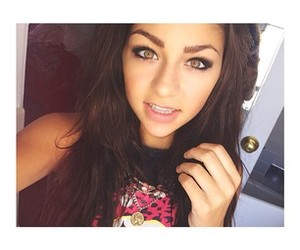 andrea russett, eyes, and youtuber image