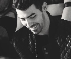 Joe Jonas, jonas brothers, and smile image
