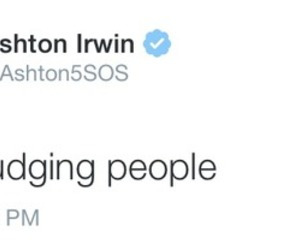 ash, 5 seconds of summer, and tweet image