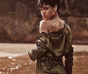 rihanna, sexy, and vogue image