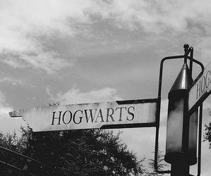 hogwarts, harry potter, and magic image