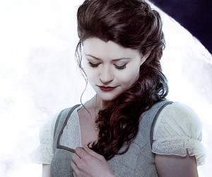 Emilie de Ravin, once upon a time, and belle french image