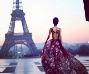 paris and style image