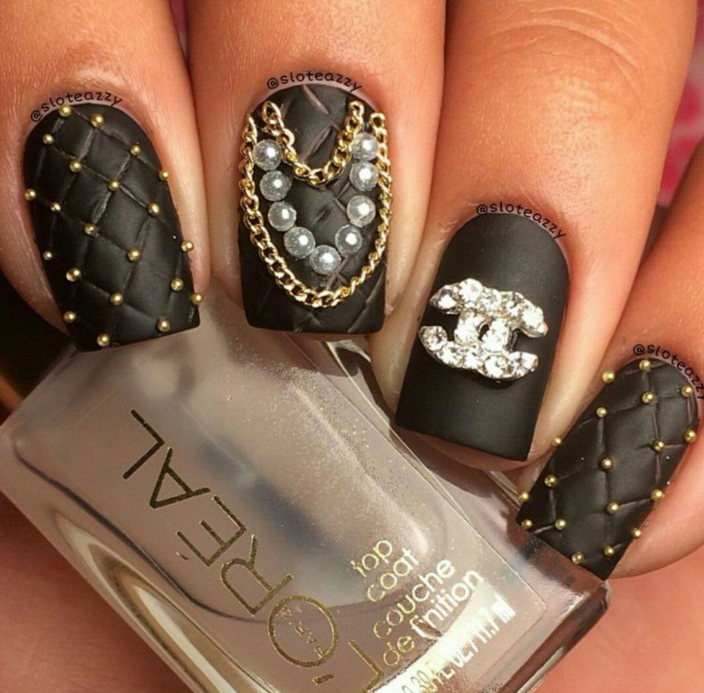 Chanel Chic discovered by Whitney Smith on We Heart It