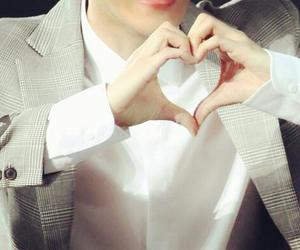 <3, exo, and his hands image