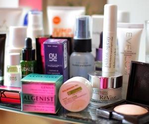 beauty, lipstick, and luxury image