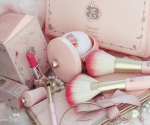 pink and etudehouse image