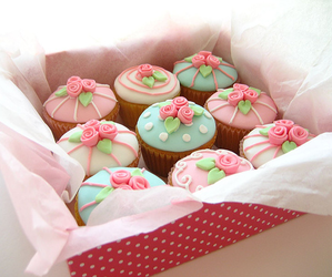 box, cupcakes, and decorations image