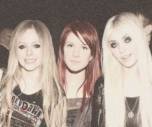 Avril Lavigne, Taylor Momsen, and hayley williams image
