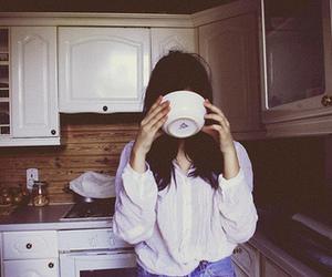 girl, vintage, and kitchen image