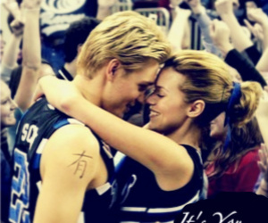 one tree hill, love, and lucas scott image