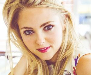 Annasophia Robb and the carrie diaries image