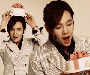 asian boy, birthday, and cake image