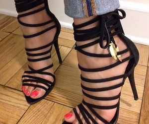 black, girls, and shoes image