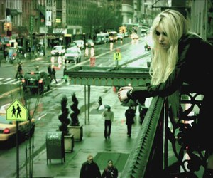 Taylor Momsen, city, and the pretty reckless image