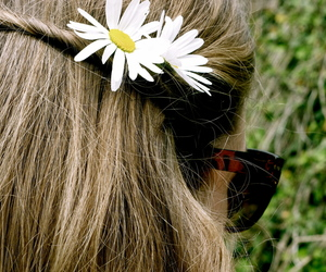blond, daisies, and style image