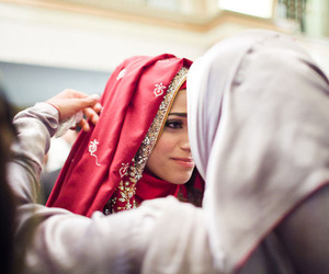 cry, couple muslim, and muslimah image