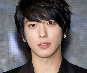 yong hwa and cnblue image