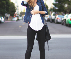 tacones, sombrero, and camisa jeans image