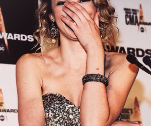 aw, Taylor Swift, and curls image