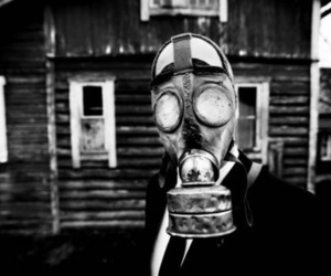 gas mask and mascara de gas image
