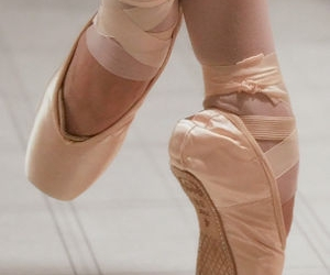 ballet, pointe, and toe shoes image