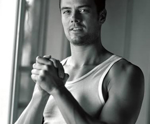 josh duhamel and sexy image